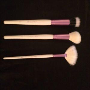 3 Pc. Kaleidos Makeup Face Brush Set